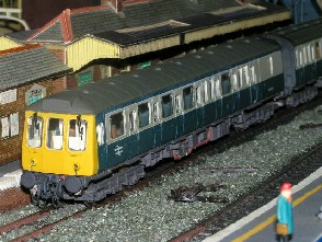 Solihull Model Railway Circle - Diesel Multiple Unit Class 117