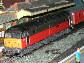 Solihull Model Railway Circle - 47476 'Night Mail' BR Parcels