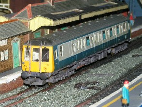 Solihull Model Railway Circle - Diesel Multiple Unit Class 121